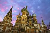 Kerk van St. basilicum in Moskou, nacht weergave — Stockfoto
