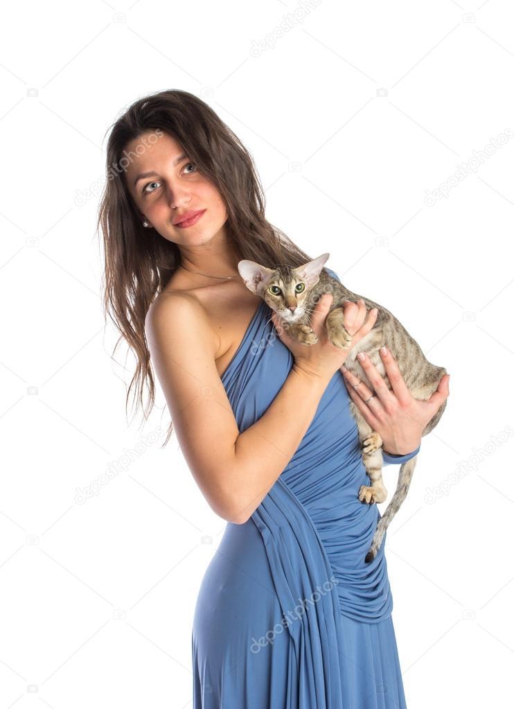 фото девушки в синей ночнушке