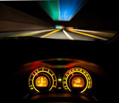 Speeding car dashboard — Stock Photo