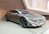 MOSCOW-SEPTEMBER 4:The European premiere of Peugeot HX1 Concept at the Mosc — Photo