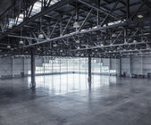 Interior of an empty warehouse — Photo
