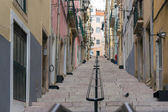 Narrow Alfama Streets and stairs, Lisbon — Stock Photo