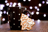 Coffee and gingerbread cookie — Stock Photo