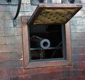 Gun in Old pirates ship — Stock Photo
