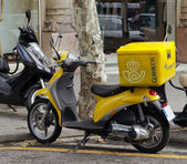 Poster scooter jaune d'espagne — Photo