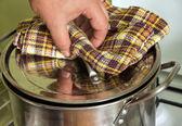 长柄锅煮 — 图库照片