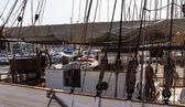 Veleiros no porto de iates — Fotografia Stock