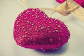 Altın bant kalbinde — Stok fotoğraf