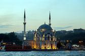 Ortakoy mosque Bosphorus, Istanbul, Turkey — Foto Stock