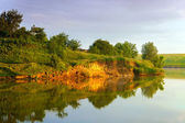 Breakaway coast lake — Stockfoto