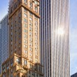 NEW YORK - Apr 14: The Pierre hotel went up on a prime site at t — Stock Photo
