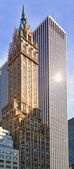 NEW YORK - Apr 14: The Pierre hotel went up on a prime site at t — Стоковое фото