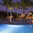 Luxurious Caribbean resort at night — Lizenzfreies Foto