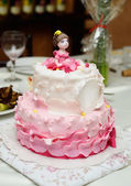 Birthday cake decorated with fondant — Stockfoto