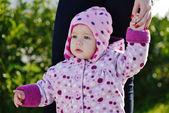 Baby op de wandeling — Stockfoto