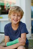 Boy with cast — Stock Photo