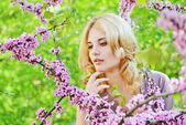 Spring lovely lady — Stock Photo