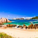 Tropical beach at Seychelles — Stock Photo