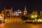 Katedra la giralda w sevilla, hiszpania — Zdjęcie stockowe