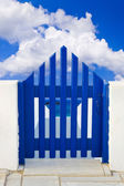 Porta e céu nublado — Foto Stock