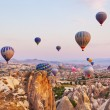 Hot air balloon flying over Cappadocia Turkey — 图库照片
