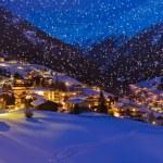 Mountains ski resort Solden Austria at sunset — Stock Photo