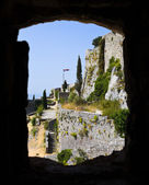 Window at old fort in Klis, Croatia — Stock Photo