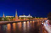 Kreml in moskau bei nacht — Stockfoto