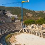 Ancient amphitheater and construction crane in Ephesus — Stock Photo