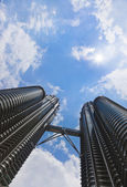 Twin towers, sky and sun - Kuala Lumpur — Stock Photo