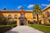 Jardines del real alcázar de sevilla españa — Foto de Stock