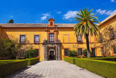 Skutečný alcazar zahrada v seville ve španělsku — Stock fotografie