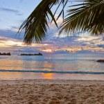 Seychelles tropical beach at sunset — Stock Photo