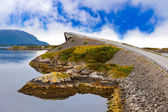 Berühmte brücke atlantik unterwegs in norwegen — Stockfoto