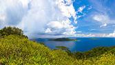 Island in ocean at Seychelles — Foto de Stock