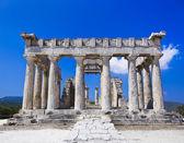 Ruins of temple on island Aegina, Greece — Stock Photo