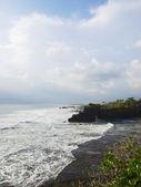 Tanah Lot Temple territory coastline — Stock Photo