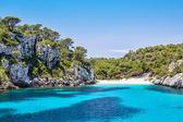Cala macarelleta - popolare spiaggia di isola di minorca — Foto Stock