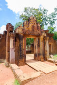 Banteay Srei Temple entrance, Cambodia. — Stock Photo