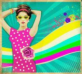 Giovane donna in abito rosa ed estate occhiali da sole .retro poster ba — Foto Stock