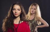 молодые привлекательные teens.two портреты женщин — Стоковое фото
