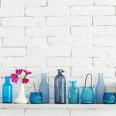 Bottles on a shelf — Stockfoto