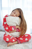 Kind im Schlafanzug — Stockfoto