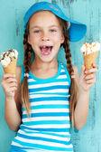 Child with ice cream — Stock Photo