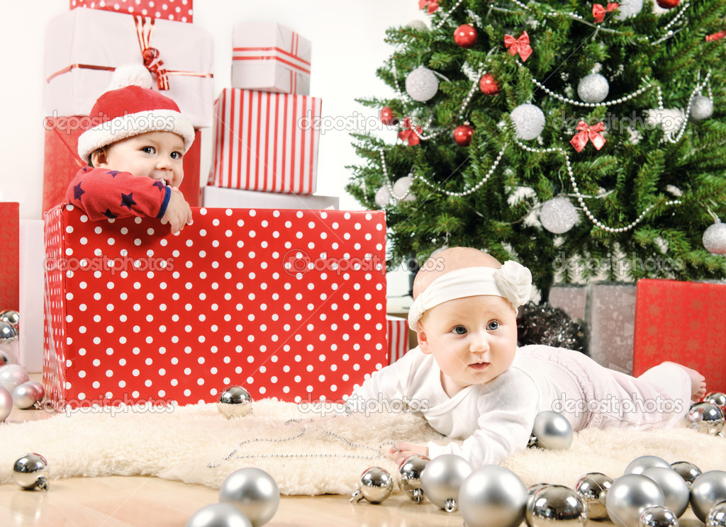 Two Christmas baby — Stock Photo #15440763