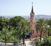 Gaudi house in Park Guell, Barcelona, Spain — Stock Photo