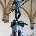 Perseus with the head of Medusa Gorgon in Loggia Lanzi, Piazza della Signoria, Florence, Italy — Stock Photo