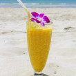 Refreshing cocktail on tropical beach — Stock Photo #45933839