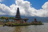 Ulun temple danu — Photo