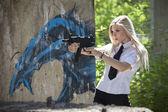 Gun woman — Stock Photo